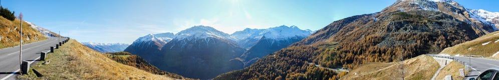 Escursione del percorso nelle alpi di Julian Immagini Stock