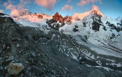 Escursione del percorso nelle alpi di Julian Fotografie Stock