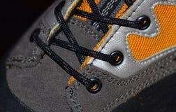 Escursione del primo piano degli stivali con i laccetti Fotografia Stock