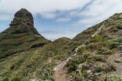 Escursione del viaggio nelle montagne di Anaga vicino a Taborno sull'isola di Tenerife Immagini Stock