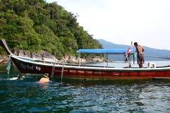 Escursione della barca Ko Hin Ngam Provincia di Satun thailand Fotografia Stock