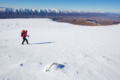 Escursione della montagna di inverno Fotografie Stock Libere da Diritti
