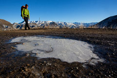 Escursione della montagna di inverno Fotografia Stock