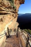 Escursione delle montagne nazionali del blu della traccia del passaggio Fotografia Stock