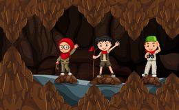 Escuteiro que explora a caverna escura ilustração royalty free