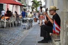 Esecutore della via a San Juan, Porto Rico Fotografia Stock