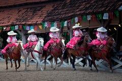 Esecutori di esposizione del rodeo di Xcaret Fotografie Stock