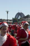 Esecuzione di divertimento della Santa di Sydney Immagini Stock