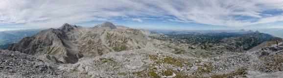 从Eselstein峰顶, Dachstein断层块,奥地利的Panoramatic视图 库存图片