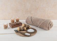 Esencial del balneario y del baño que calma tonos de la tierra Fotografía de archivo