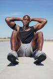 Esercitazione di modello di forma fisica africana all'aperto Fotografia Stock Libera da Diritti
