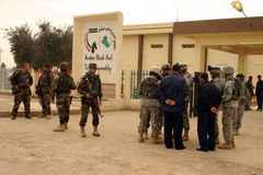 Esercito degli S.U.A. e soldati iracheni Fotografie Stock