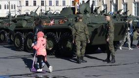Esercito nella città Fotografia Stock