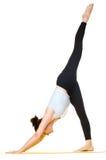 Esercizi di pratica di yoga della giovane donna Immagini Stock Libere da Diritti