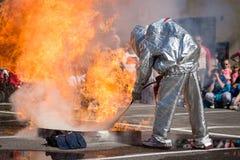 Esercizio di allenamento del pompiere in Pezinok, Slovacchia Immagine Stock