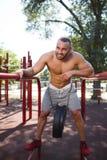 Esercizio di allenamento fuori Sport e concetto di forma fisica Immagini Stock