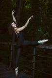 Esercizio di dancing della ragazza Fotografia Stock Libera da Diritti