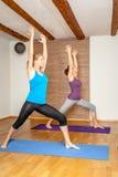 Esercizio di yoga Immagini Stock Libere da Diritti