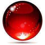 Esfera brillante roja aislada en blanco. Fotos de archivo libres de regalías
