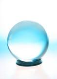 Esfera de cristal com azul fotos de stock