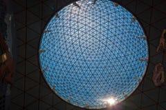 Esfera de cristal en el museo de Dali en Figueras, España Imagenes de archivo