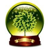 Esfera de Glosy con el árbol verde. Fotografía de archivo
