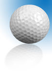 Esfera de golfe com reflexão Fotografia de Stock Royalty Free