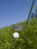 Esfera de golfe e clube de golfe Fotografia de Stock