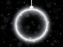 Esfera de néon de prata do Natal no preto Imagens de Stock