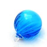 Esfera de vidro azul Fotografia de Stock