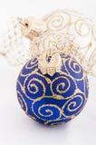 Esfera do azul do Natal Imagem de Stock Royalty Free