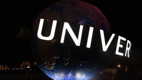 Esfera do mundo em Citywalk na área de Universal Studios video estoque