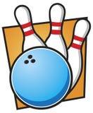 Esfera e pinos de bowling Imagens de Stock