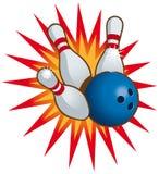 Esfera e pinos de bowling Fotos de Stock Royalty Free