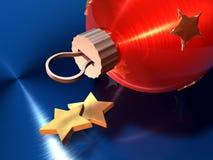 Esfera vermelha do Natal e estrelas douradas Imagens de Stock