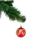 Esfera vermelha do Natal no fundo branco fotos de stock
