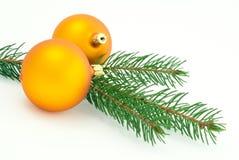 Esferas amarelas Matte do Natal Fotografia de Stock Royalty Free