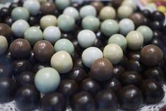 Esferas clasificadas del chocolate fotografía de archivo libre de regalías