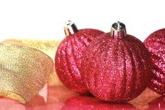 Esferas cor-de-rosa do Natal imagens de stock
