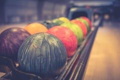 Esferas de bowling coloridas Foto de Stock