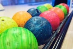 Esferas de bowling coloridas Fotografia de Stock