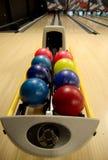 Esferas de bowling na aléia Imagem de Stock Royalty Free