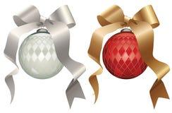 Esferas de prata e vermelhas do Natal Imagem de Stock Royalty Free