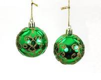 Esferas de suspensão da árvore de Natal do verde e do ouro Fotografia de Stock Royalty Free