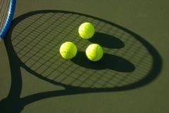 Esferas de tênis amarelas - 8 Foto de Stock