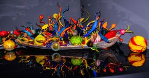 Esferas de vidro fundidas no barco, no jardim de Chihuly e no museu de vidro fotografia de stock royalty free