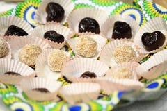 Esferas del coco y postre del chocolate Foto de archivo libre de regalías