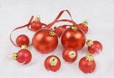 Esferas del rojo de la Navidad Fotos de archivo libres de regalías