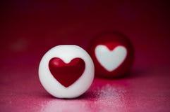 Esferas do coração do amor imagens de stock royalty free