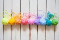 Esferas do fio colorido Vista de acima Todas as cores do ra Imagem de Stock Royalty Free